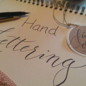 Handlettering-Workshop – Kreative handgeschriebene Etiketten und vieles mehr selbst gestalten mit Kalligrafin Frau Ute Bendel